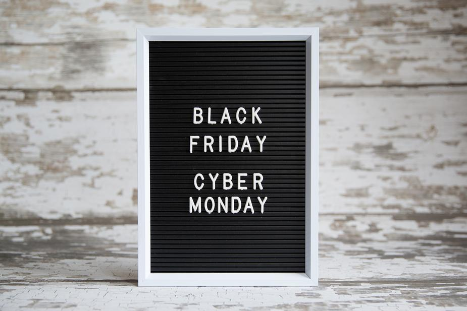 Black Friday Cyber Monday Blackboard